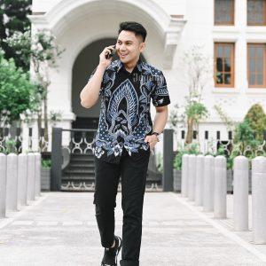 Jayabaya Batik Artha Kemeja Batik Pria Lengan Pendek