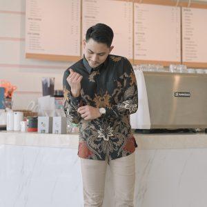 LAKESWARA Kemeja Batik Pria Lengan Panjang