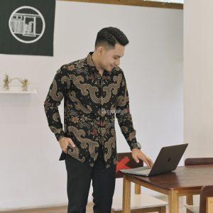 Jayabaya Batik Vijendra Kemeja Batik Pria Lengan Panjang